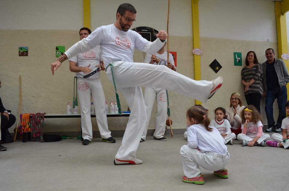 ed._inf_-_ativ_extra_curriculares_-_capoeira2